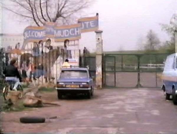 mudchute entrance (8)