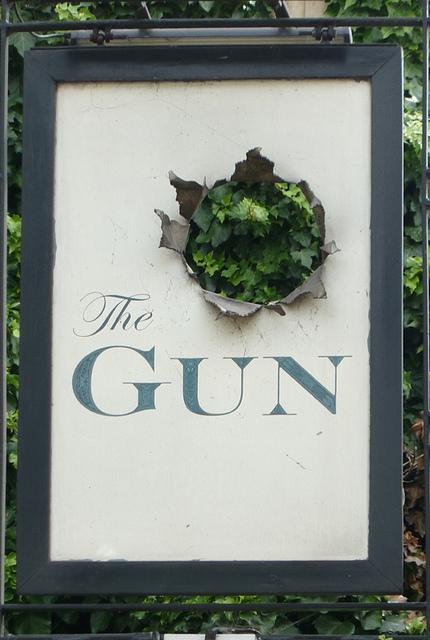 pub-sign-the-gun 14878994638