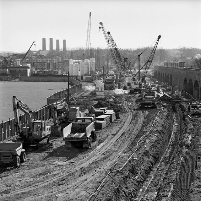 DLR Tunnel Construction (Photo Mike Seaborne)