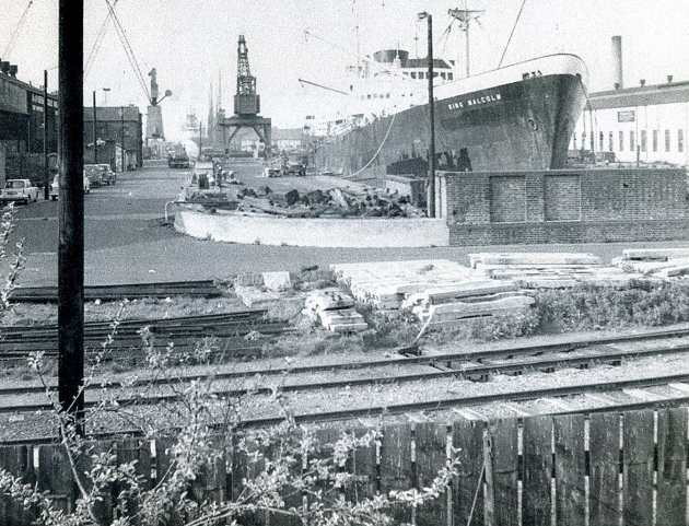Millwall Dry Dock 14909187800