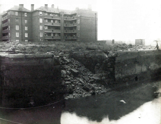 1947 Millwall Dock Entrance Lock bomb damage