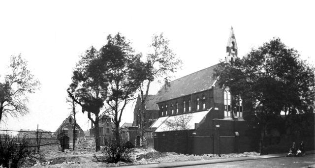 St John's Church and area. 15580250468