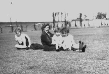 Millwall Park, 1959 16363544885
