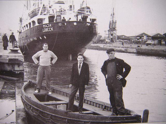 dockland-settlement-boat 15067282231