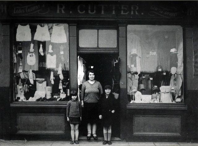 mrs-cutters-drapery-144-stebondale-st-1929-15041724366