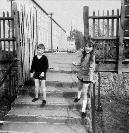 stebondale-st-end-of-glengarnock-avenue-at-entrance-to-millwall-park-1972-28635332121