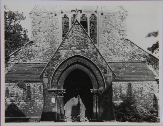 alpha-grove-st-lukes-church-14844802317