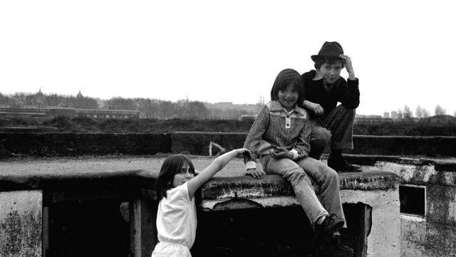 1979-angie-jenny-darren-copy